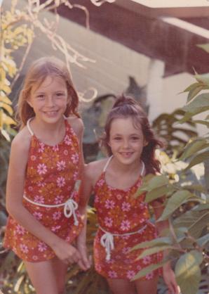 Belinda Murrell and sister Kate Forsyth, as children.